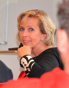 Anne Grete lytter Foto: Geir André Thomassen Fra http://bit.ly/gZHu26
